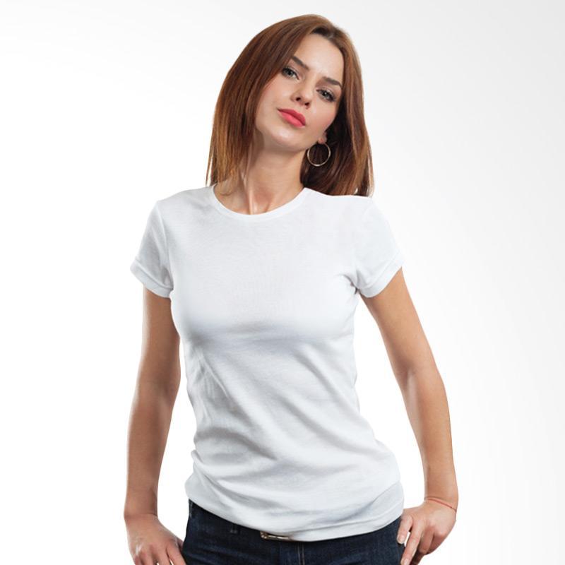 1. Wanita Berpostur Montok Lebih Cocok Memakai Kaos Model Crowneck