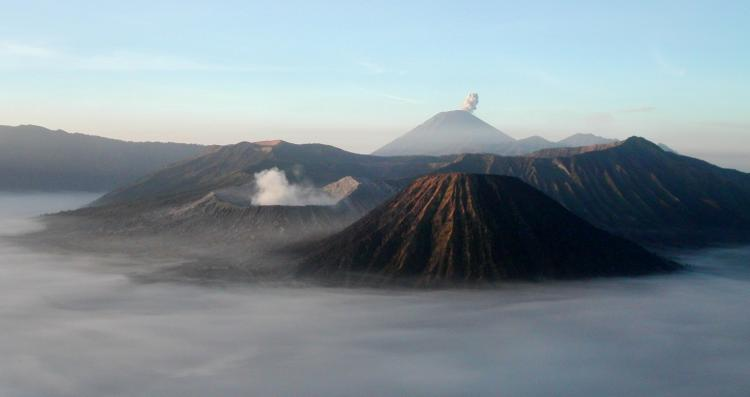 2. Gunung Bromo Di Jawa Timur